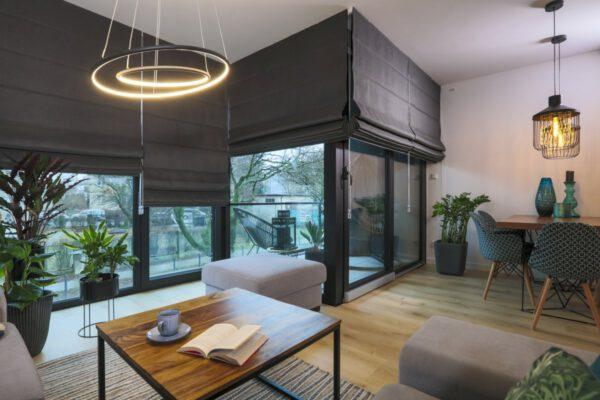 Vega – okna, rolety, tapety